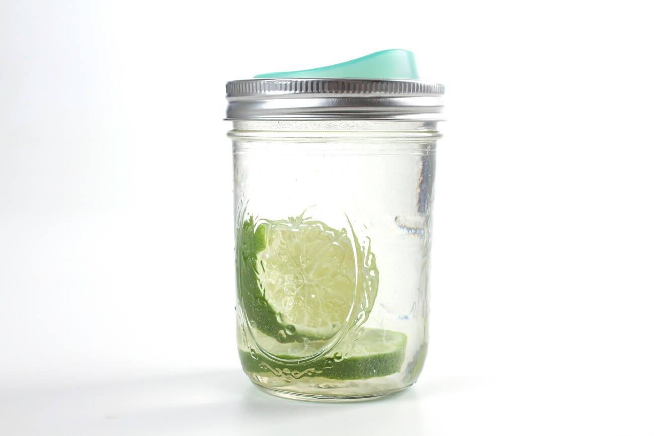 Mason Jar Lemonade mit Cuppow Lid