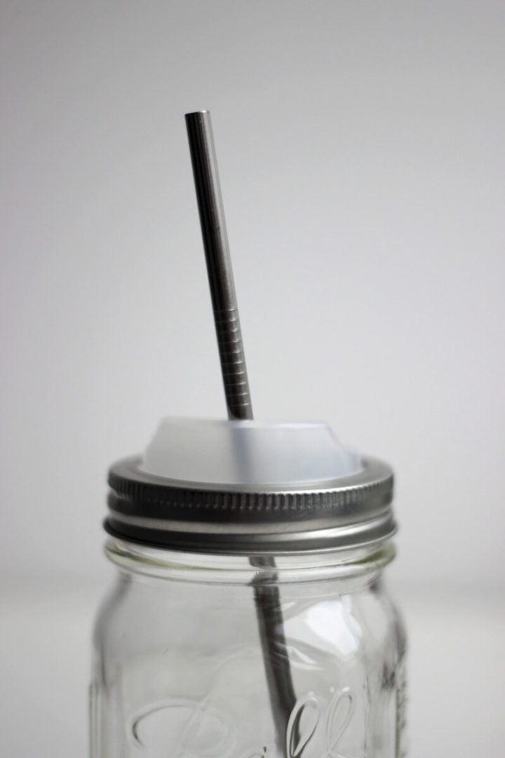 Edelstahlstrohhalm im Ball Mason Jar