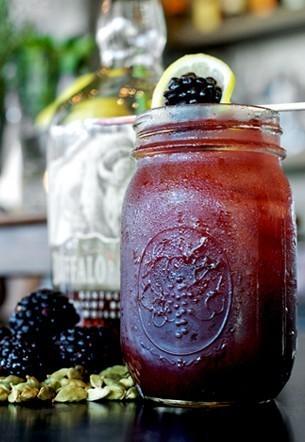 Brombeer Bourbon Mason Jar
