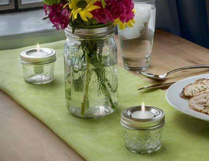 Teelichthalter auf dem Tisch